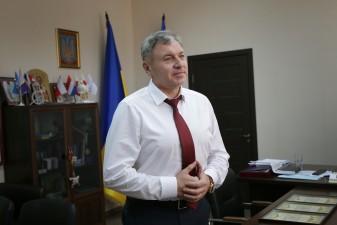 Юрій Гарбуз привітав родини ВПО з придбанням житла за обласною програмою кредитування